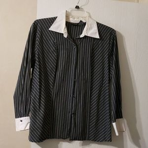 Fitted long sleeve  dress shirt
